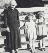 Helga Winkler mit Kindern