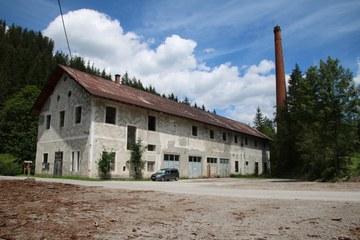 Die alte Pappefabrik in Neuwald (© Elisabeth Vavra)