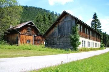 Arbeiterwohnhäuser in Neuwald (© Elisabeth Vavra)