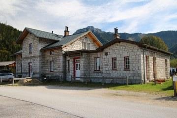Der ehemalige Bahnhof von Kernhof (© Elisabeth Vavra)